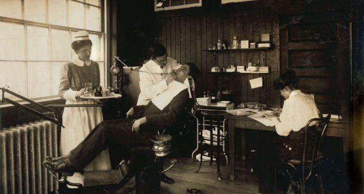 Stomatologija kroz istoriju